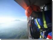 Спасатели прекратили поиски обломков самолета, разбившегося в Индонезии