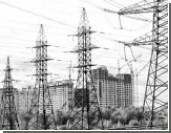 Медведев потребовал выбить долги за электроэнергию