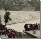Трое укранцев пропали без вести после наводнения в Непале