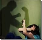 В интернате старшеклассницы жестоко издевались над мальчиками. Видео