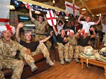 Жены британских военных получают хулиганские звонки из Ирака
