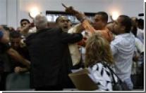 Палестинский парламент захватили голодные сторонники Махмуда Аббаса