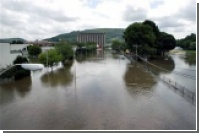 Сотни тысяч американцев покидают свои дома из-за наводнения