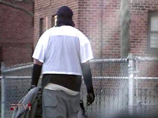 Мода на мешковатые штаны помогает полиции США ловить преступников