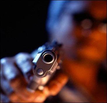 Крымский милиционер расстрелял прохожего