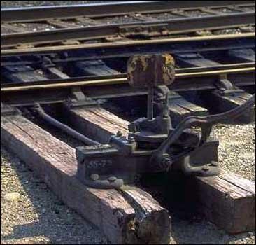 Призывника зверски избили и сбросили с поезда