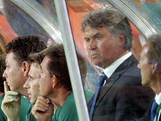 Хиддинк собирается второй раз обыграть Италию