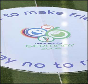 Россия не платит за ЧМ-2006 по футболу?