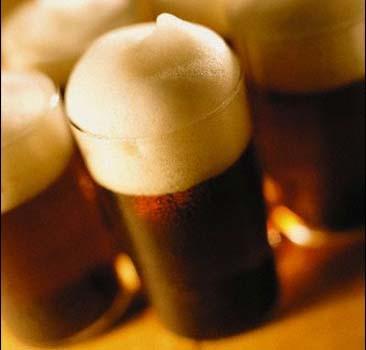 Запрет на курение снизил потребление пива.