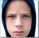 """Детей лечат от """"телефонной"""" зависимости в спецклиниках"""