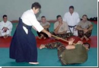 Японская пенсионерка тренирует итальянский спецназ