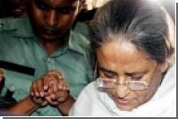 Лидера бангладешской оппозиции отпустили из тюрьмы на лечение