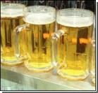 Охранник боулинг-клуба разбил бокал с пивом о голову клиента