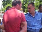 Симферопольский депутат назвал фамилии избивавших его милиционеров
