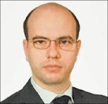 Топ-менеджера нефтекомпании уволии из-за связей с русской мафией