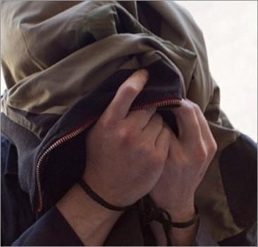 Пьяные полицейские пытали задержанного, пока не уснули