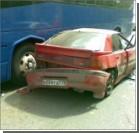 Лихач протаранил семь припаркованных автомобилей