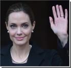 Джоли впервые вышла в свет после удаления груди. Видео