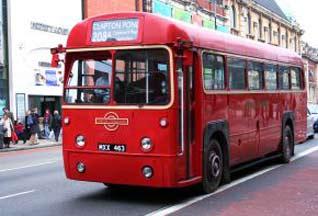 Водитель английского автобуса заблудился на маршруте