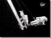 Во время выхода в открытый космос у одного из астронавтов США возникли проблемы