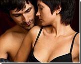 Женщин возбуждают поцелуи в ладони и покусывание мочки уха