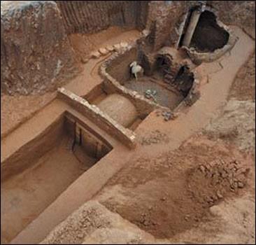 В Китае нашли могилу генерала 3 века. Фото