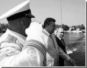 Путин и Янукович вместе отметили День ВМФ