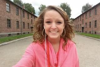 Селфи в Освенциме возмутило пользователей Twitter