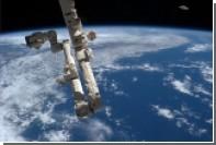 Орбиту МКС скорректируют из-за космического мусора