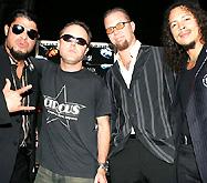 Metallica поет колыбельные