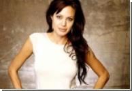 Джоли уезжает из Голливуда в Африку