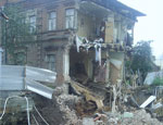 В Екатеринбурге начали обследовать обрушившийся жилой дом, погибли 2 собаки (ФОТО, ВИДЕО)