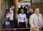 Тимошенко стала звездой СИЗО. Все ее телодвижения снимаются на видео. От греха подальше.