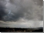 Шанхайские аэропорты отменили рейсы из-за тайфуна
