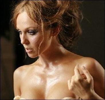 Джанабаева показалась на Венецианском кинофестивале растрепанной. ФОТО