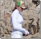 Мадонна искупалась на Французской Ривьере: в одежде, бейсболке и с любовником. ФОТО