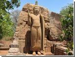 На Шри-Ланке французских туристов осудили за поцелуй статуи Будды