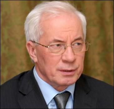 Азаров предлагает запретить привязку валюты к стоимости товара