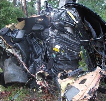Под Киевом разорвало BMW вместе с пассажирами. Фото