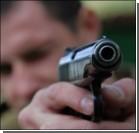 Мужчина обстрелял двери экс-жены и ранил случайного встречного