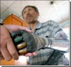 Крестьянин сделал себе бионические руки. ФОТО