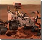 Марсоход Curiosity проехался по поверхности планеты.Фото