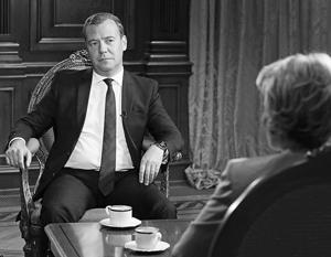 Медведев: Саакашвили встречал меня доброй улыбкой