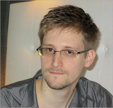 Сноуден в России: Белый дом разочарован, конгресс негодует