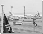 Пассажиров аварийно севшего в Иркутске самолета заперли