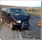 В Крыму столкнулись микроавтобус и легковушка: пострадали трое иностранцев. ФОТО