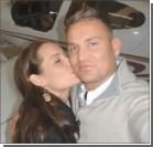 Парень инсценировал авиакатастрофу, чтобы позвать любимую замуж. Видео