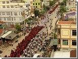 Буддистские монахи в Мьянме провели демонстрацию против мусульман