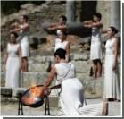 В Греции зажгли огонь XXII зимних Олимпийских игр