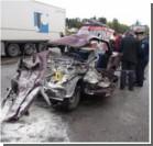 В Тернополе столкнулись автобус и такси – погибли люди. Фото
